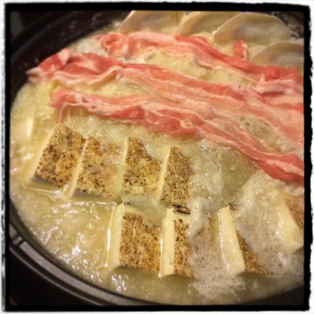 【いやー。鍋が美味しい季節になってきましたなーな日の晩ごはん】■大根一本丸ごと使った具だくさんのみぞれ鍋■ビール