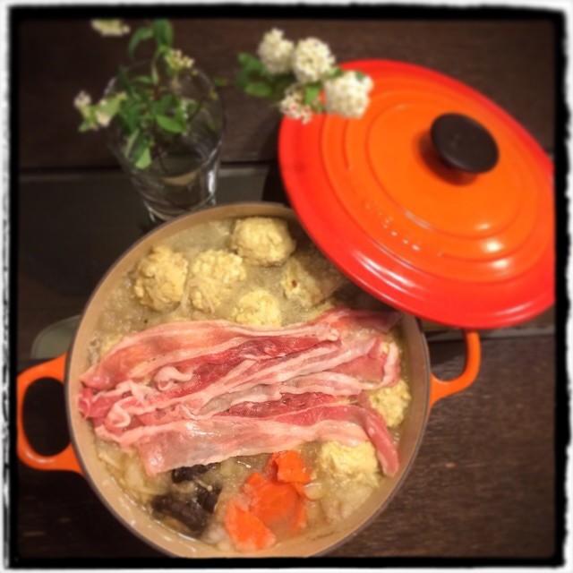 【ななちゃんにお花をいただいたよ♡な日の晩ごはん】■鶏団子と豚ばら肉のみぞれ鍋■ビールもどき #Homemade #dinner #cooking #yam
