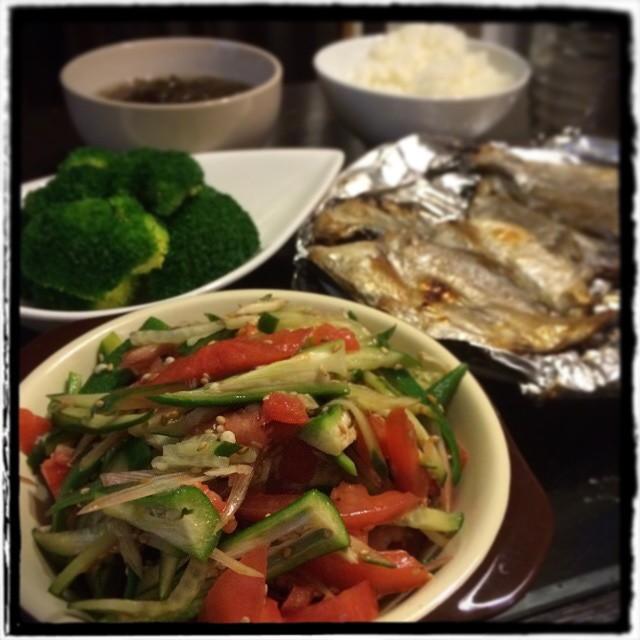 【残業上がりのささっと晩ごはん】■ブロッコリーサラダ■出汁もずく■トマトとオクラときゅうり、みょうがのナムル■えぼ鯛の一夜干し■ごはん■ビールもどき #Homemade #dinner #cooking #yam