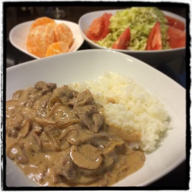 【引越し前で毎日が冷凍庫整理な日の晩ごはん】■シンプルなキャベツサラダ■父直伝:ハワイアンストロガノフ■ぽんかん■ビールもどき #cooking #dinner #Homemade #yam