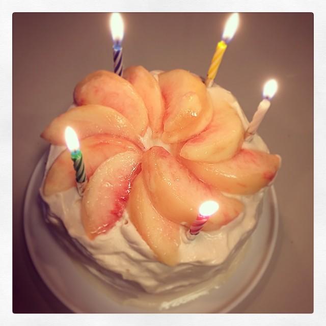 25年ぶりにケーキなんて焼いたけど、喜んでもらえたみたいでよかったよー。